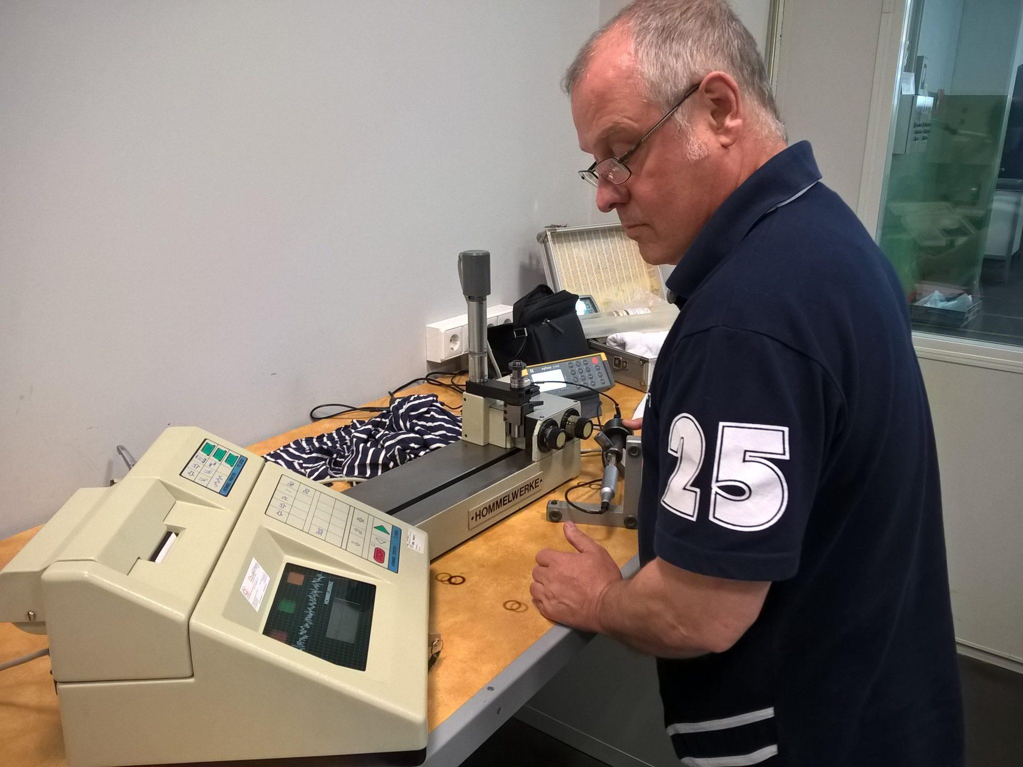 Calibración máquina engranajes