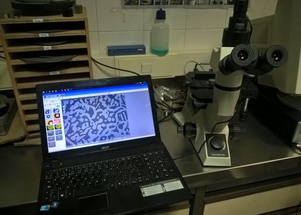 Retrofit Microscopio metalográfico
